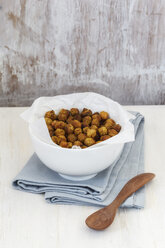 Roasted chickpeas in bowl - EVGF001480