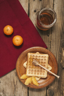 Breakfast with waffles, honey and orange slices - BZF000115