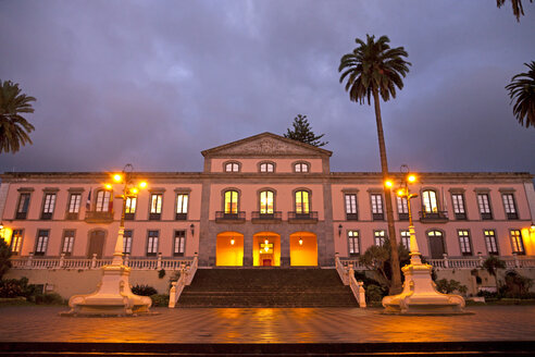 Spain, Canary Islands, Tenerife, La Orotava, town hall at night - PCF000144