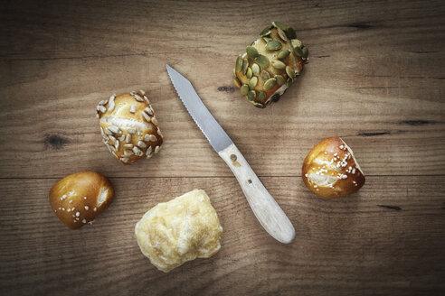 Different mini lye rolls and knive - EVGF001561
