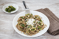 Whole-grain spelt spaghetti with ramson pesto - EVGF001654