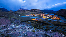 Argentina, Patagonia, view to El Chalten at sunrise - STSF000768