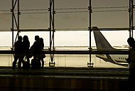 Spain, Barcelona, tour group waiting at the airport - GD000704