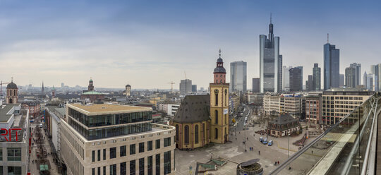 Germany, Hesse, Frankfurt, Downtown view with Hauptwache and financial district - NK000238