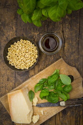 Pesto alla Genovese, Basil, parmesan, pine nuts, olive oil and raw trofie noodles - LVF003221
