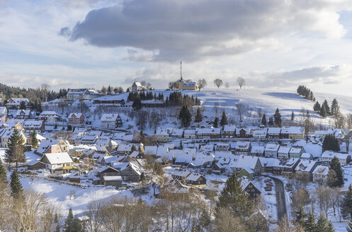 Germany, Lower Saxony, townscape of Sankt Andreasberg in winter - PVCF000411