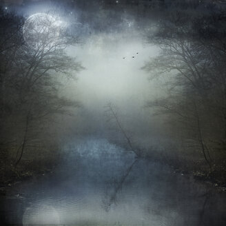 Full moon over foggy river - DWI000477