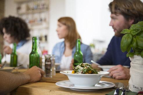 Friends eating together - FKF000961