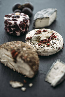Different sorts of goat's cheese on slate - IPF000218