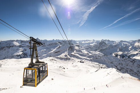 Germany, Bavaria, Nebelhorn, cable car in winter landscape - EGB000017