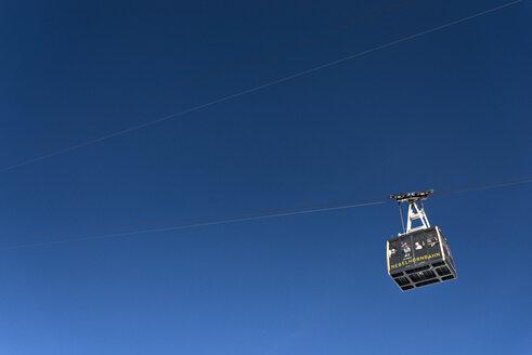Germany, Bavaria, Nebelhorn, cable car in blue sky - EGB000026