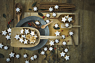 Cinnamon sticks and cinnamon stars - ASF005585