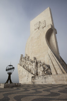 Portugal, Lisbon, Belem, monument to the Discoveries on foggy day - ABOF000008