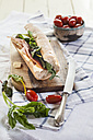 French bread with Jamon serrano, cheese, tomatoes and lettuce - SBDF001806