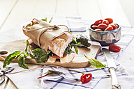 French bread with Jamon serrano, cheese, tomatoes and lettuce - SBDF001807