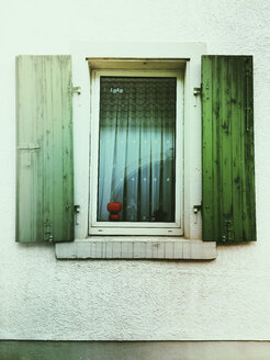 Germany, Rhineland-Palatinate, window at old house - GWF003952