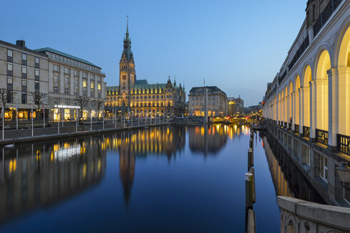 Germany, Hamburg, town hall and Little Alster in the evening - RJF000433