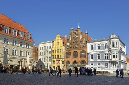 Germany, Stralsund, old market - LH000474