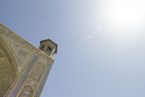 Iran, Shiraz, Iwan of the Vakil mosque and blue sky - FLF000953