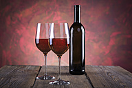 Still life with wine bottle and wine glasses - VTF000424