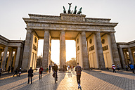Germany, Berlin, Berlin-Mitte, Brandenburg Gate, Pariser Platz - EGB000074