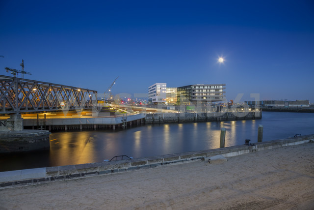 Germany, Hamburg, view to HafenCity University at evening twilight - NKF000251