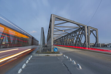 Germany, Hamburg, road traffic on a bridge in the Hafencity - NKF000252