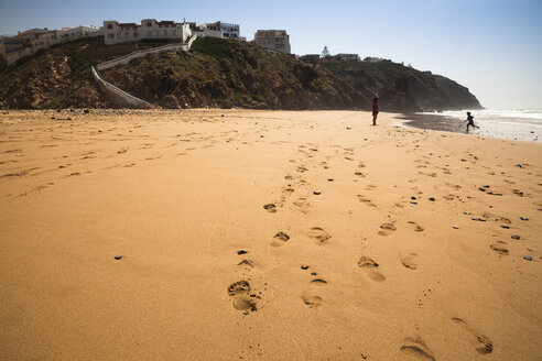 Africa, Morocco, beach near Legzira - FCF000675