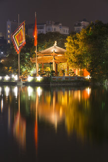 Vietnam, Hanoi, Hoan Kiem Lake, Ngoc Son Temple at night - SJF000145