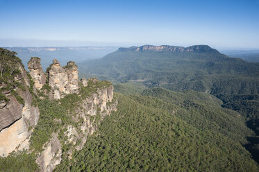 Australia, New South Wales, Great Dividing Range, view over the Blue Mountains National Park - JBF000245