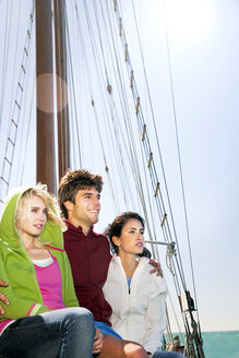 Friends on a sailing ship - TOYF000880