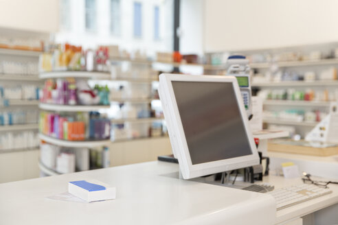 Prescription and drug lying on counter of a pharmacy - FKF001101