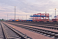 Germany, Hamburg, Railway tracks at the Port of Hamburg - MSF004592