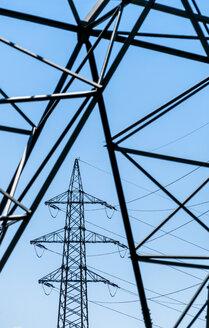 Austria, Wilhering, electricity pylons - EJWF000761