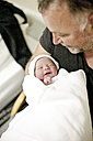 Father with newborn baby - ZEF006304