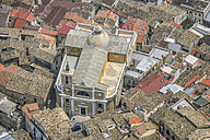 Italy, Biccari, roofscape - KLEF000023