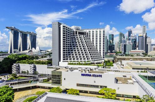 Singapore, Financial district, Marina Bay with Marina Bay Sands Hotel, Sheraton Hotel and shopping mall - THAF001375
