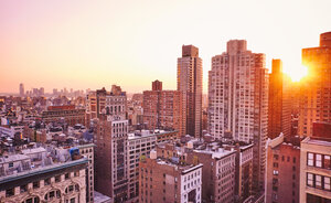 USA, New York, Manhattan, view to the city from 230 Fith rooftop bar - SEGF000383