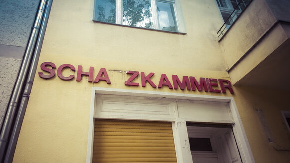 Schazkamer, Berlin, Germany - CMF000273