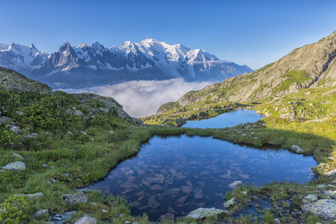 France, Mont Blanc, Lake Cheserys, small lakes in the morning - LOMF000027