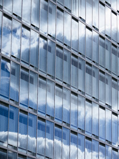 Germany, Hamburg, modern office building, blinds - KRPF001447