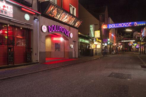 Germany, Hamburg, Grosse Freiheit at night - TAM000128