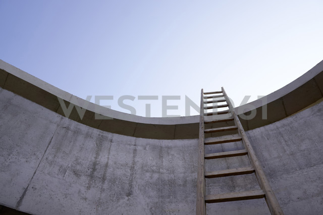 Ladder at concrete wall of an unfinished building - FMKF001579 - Jo Kirchherr/Westend61