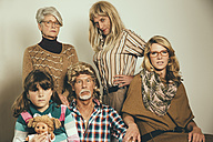 Portrait of family dressed like in the Eighties - MFF001735