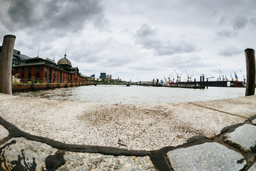 Germany, Hamburg, fish market hall and port entrance, fisheye - KRPF001438