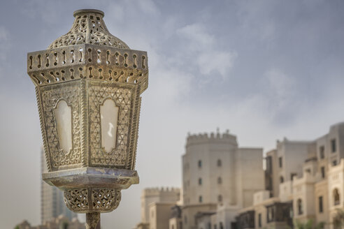 United Arab Emirates, Dubai, Lamp on the Souk-al-Bahar-Bridge - NKF000278