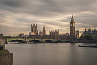 UK, London, view to Westminster Bridge and Palace of Westminster with Big Ben, long exposure - ZMF000405