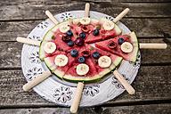 Watermelon pizza, banana, blueberries, cherries, mint - SARF002016