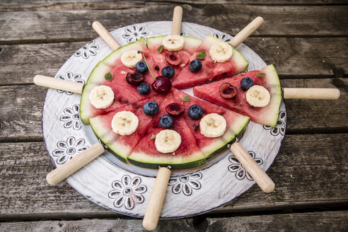 Watermelon pizza, banana, blueberries, cherries, mint - SARF002016