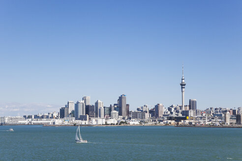 New Zealand, Auckland, Skyline, City Center, Central Business District, Sky Tower, Waitemata Harbour, Viaduct Harbour - GWF004250